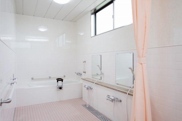 デイサービス浴室001